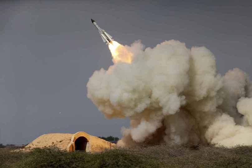 2048x1536-fit_tir-entrainement-missile-longue-distance-forces-iraniennes-decembre-2016-illustration